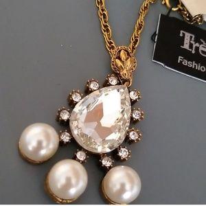 Treska Aris rhinestone Pearl gold necklace nwt